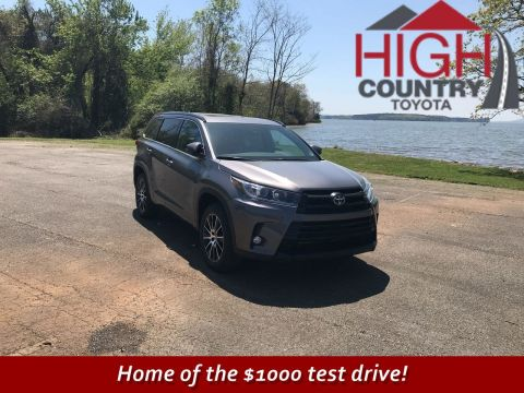 New 2018 Toyota Highlander SE With Navigation