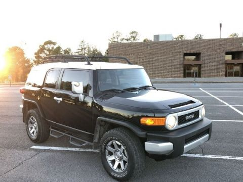 Certified Pre-Owned 2014 Toyota FJ Cruiser Base
